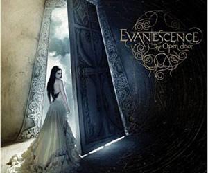 Evanescence - Page 2 Grand_evanescence